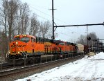 BNSF 7869 leads K140